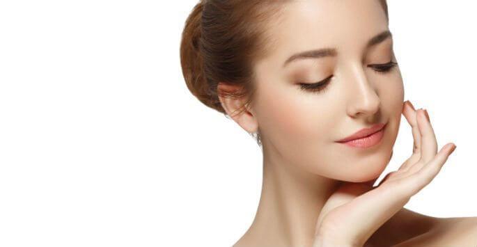 Eyelid Problems? Consider Reconstructive Eyelid Surgery